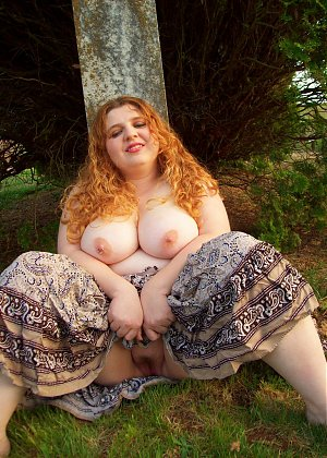 Young fat plump BBW porn chubby girls with fat natural hairy pussy ...